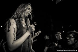 Becca Macintyre von den Marmozets live im Blue Shell in Köln 2015